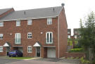 2 bedroom semi detached house to rent in Crownoakes Drive...
