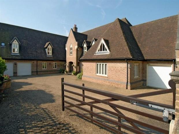 5 bedroom detached house for sale in hassobury farnham bishop 39 s stortford cm23 for Swimming pools in bishops stortford