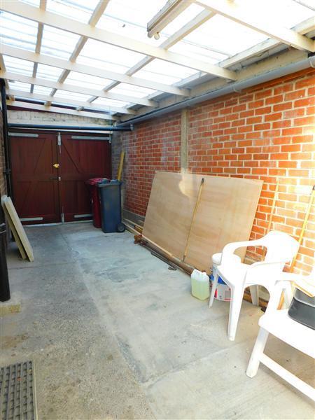 Garage/ Lean To
