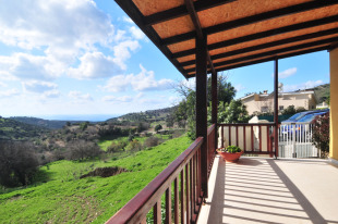 2 bedroom Bungalow for sale in Paphos, Akoursos