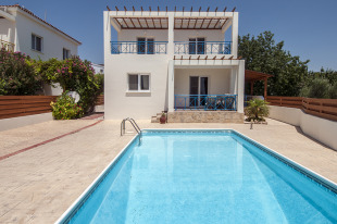 4 bedroom Villa in Paphos, Tala