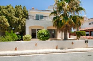 Villa for sale in Paphos, Coral Bay