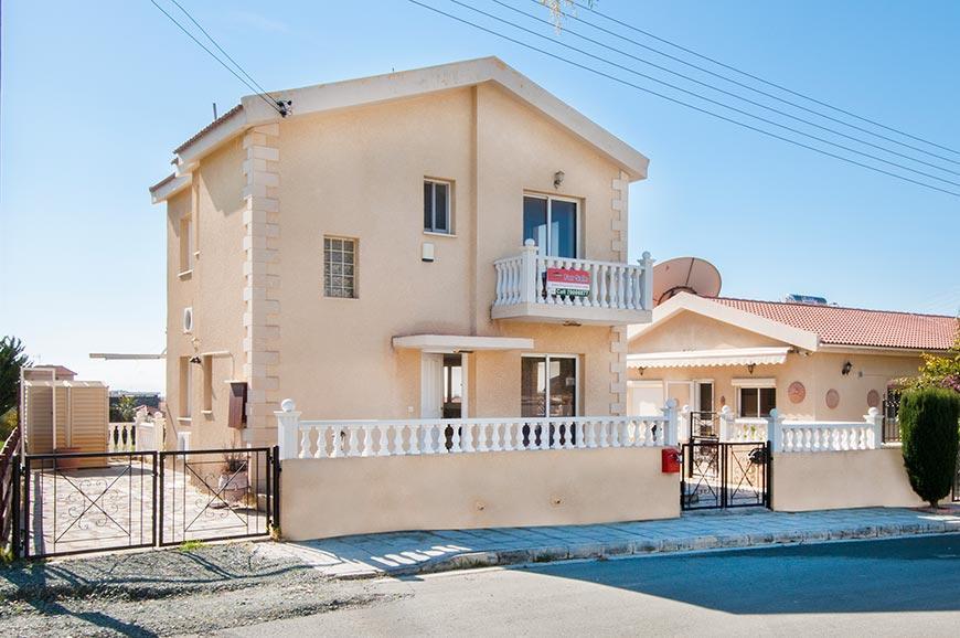 2 bed Detached Villa for sale in Kolossi, Limassol