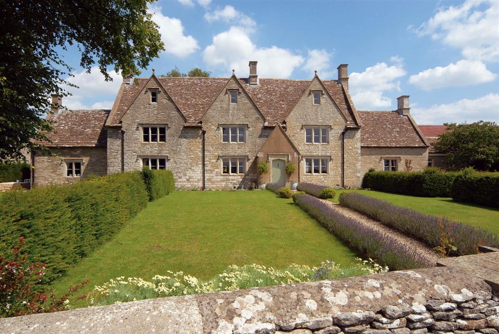 5 Bedroom Farm House For Sale In Tresham Gl12