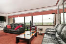 2 bedroom Flat for sale in Cresta House...