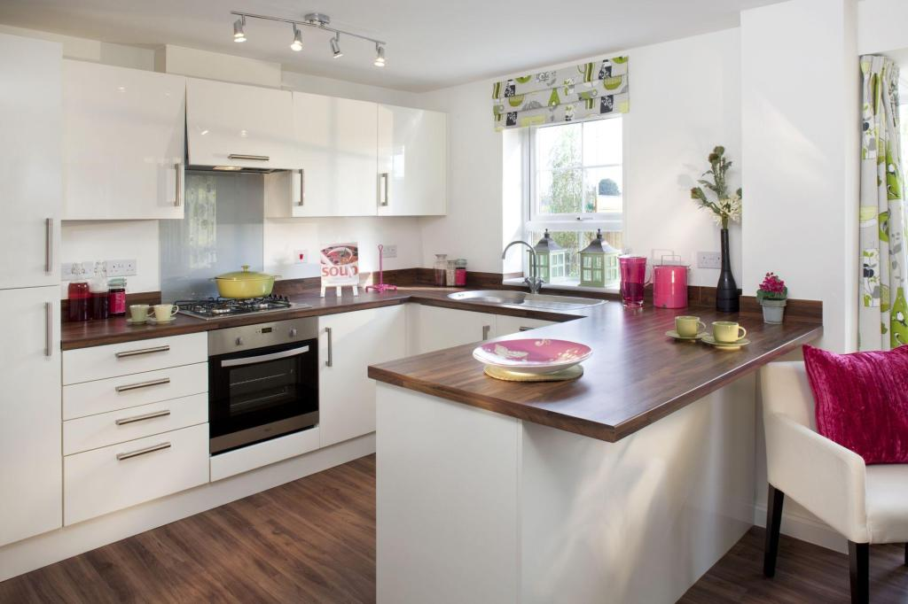 4 Bedroom Detached House For Sale In Wigwam Lane