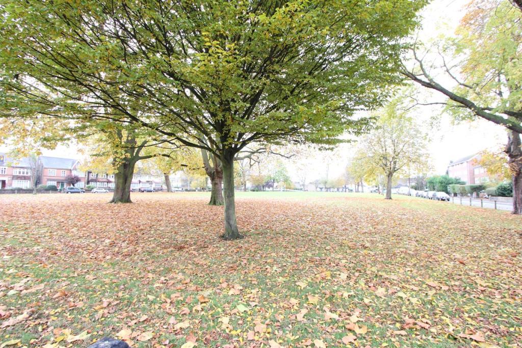 woodside green