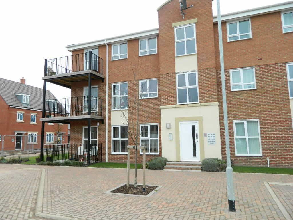 2 bedroom apartment for sale in handsacre court rugeley for Best bathrooms rugeley
