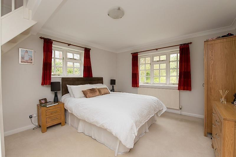 4 Bedroom Detached House To Rent In Winterborne Houghton Dt11