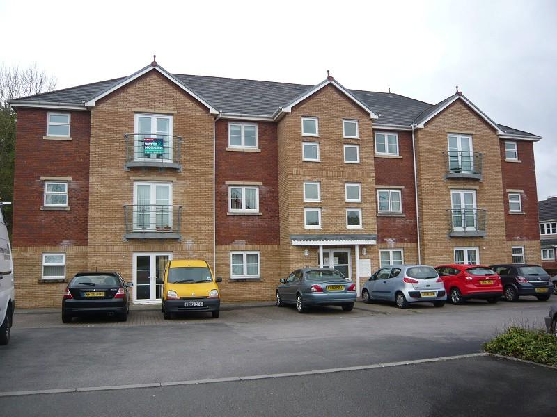 2 Bedroom Ground Floor Flat For Sale In 6 Maes Dewi Pritchard Brackla Bridgend Cf31 2et Cf31