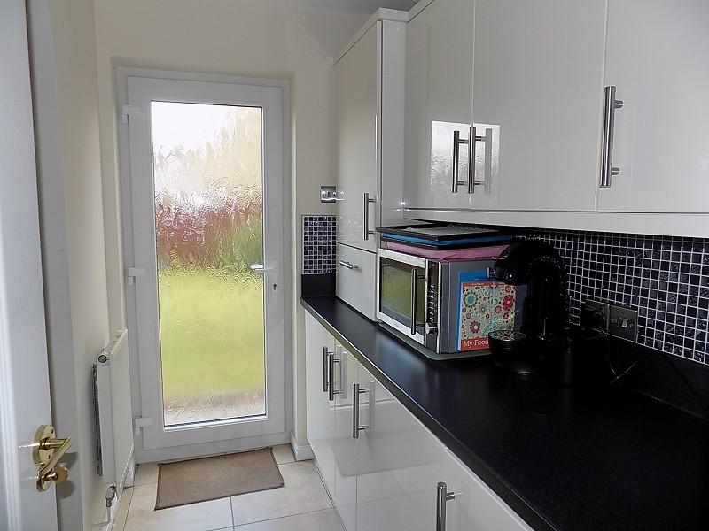 3 Bedroom Detached House For Sale In Gerddi Quarella Bridgend Bridgend Cf31 1lg Cf31