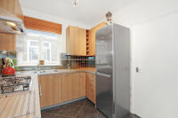 2 bedroom Apartment to rent in Vera Road, London, SW6