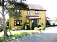 4 bedroom Detached house in HEYBRIDGE BASIN...