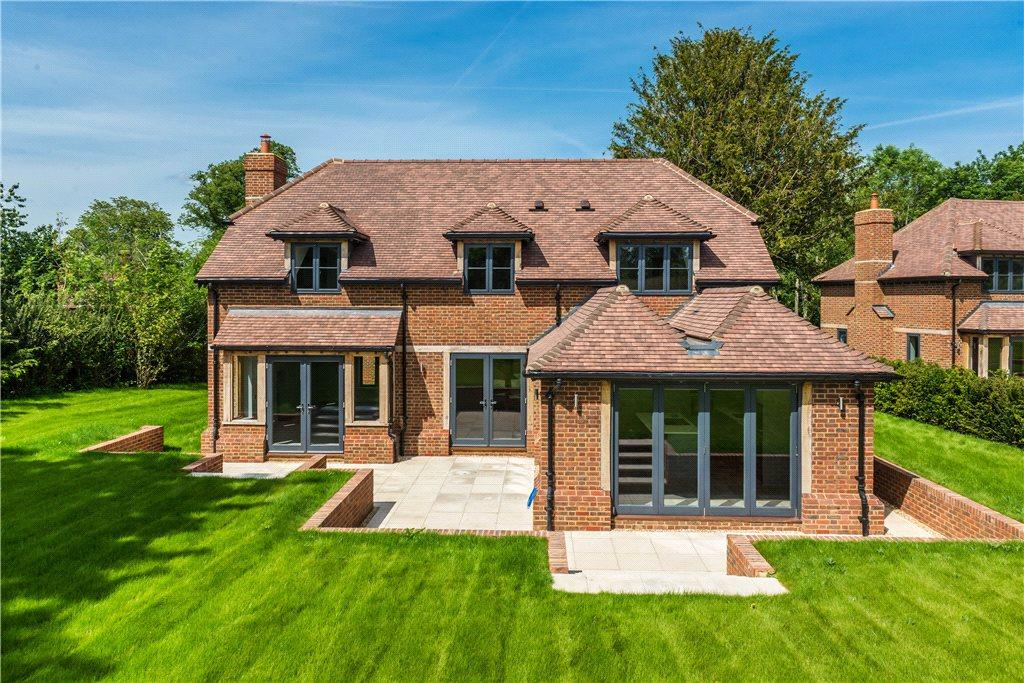 4 bedroom detached house for sale in the street long
