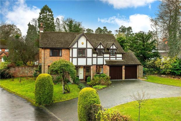 5 Bedroom Detached House For Sale In Fairacres Boundstone