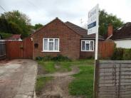 3 bed Bungalow in College Town, Sandhurst...