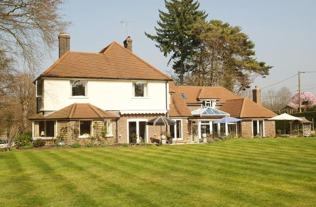 Conford 6 Bed 2 Acre