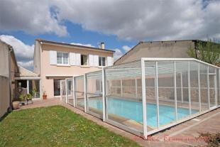 4 bed property for sale in Néré, Charente-Maritime...