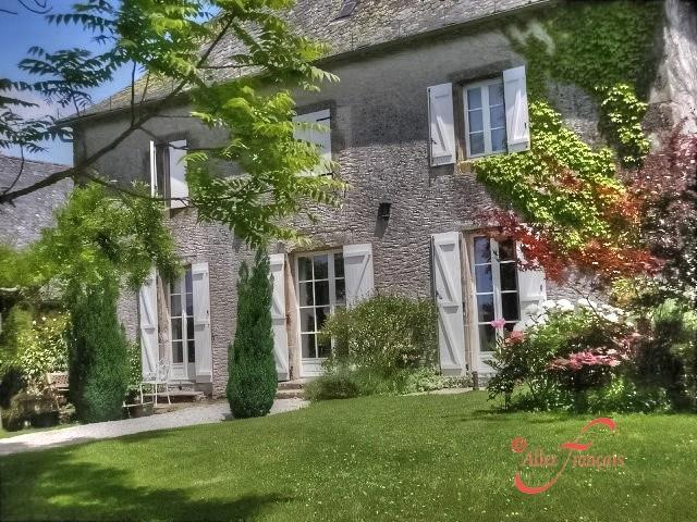 Character Property for sale in Monceaux sur Dordogne...