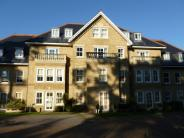 Flat to rent in Manor Road, Bournemouth...