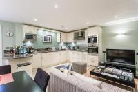 Battersea Square Apartment for sale