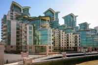Apartment to rent in St George Wharf...