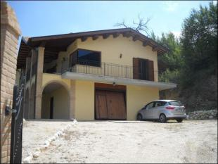 Detached home for sale in Abruzzo, Teramo...
