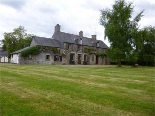 Savigny-le-Vieux  Detached property for sale