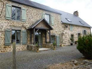 3 bed semi detached home for sale in Saint-Georges-de-Reintembault , Brittany , France