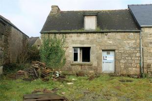 Cottage in Maël-Pestivien ...