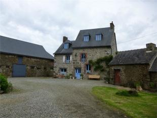 Detached property for sale in Ambri�res-les-Vall�es ...