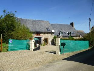 Detached home in Monthault , Brittany ...