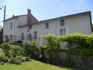 3 bedroom Detached house for sale in Cellefrouin ...