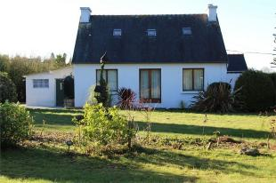 3 bed Detached home in Poullaouen , Brittany ...