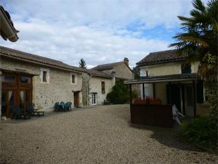 5 bed Detached property in Parcoul , Aquitaine ...
