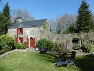 Detached house for sale in Pluméliau , Brittany ...
