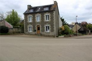 Detached house in Plouyé , Brittany ...