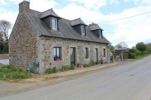 Detached home for sale in Callac , Brittany ...