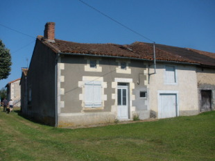 2 bedroom Cottage for sale in Poitou-Charentes, Vienne...