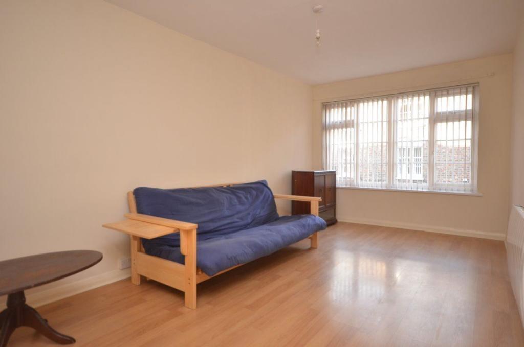 bedroom apartment to rent