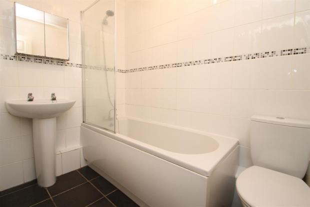 Gleaming Bathroom Suite