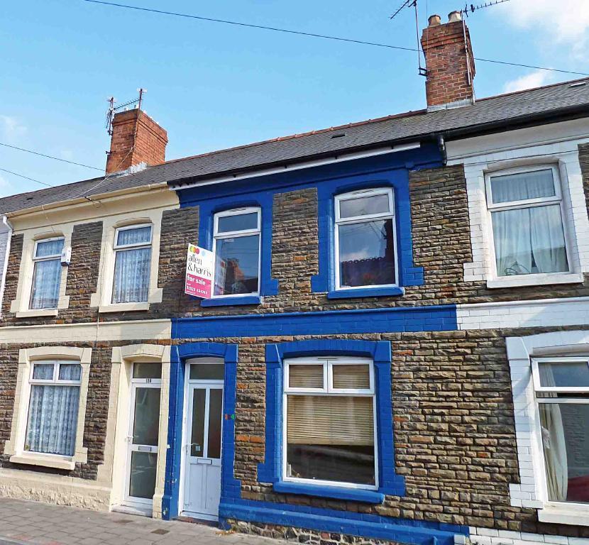 3 Bedroom House To Rent In Treharris Street Roath Cardiff Cf24