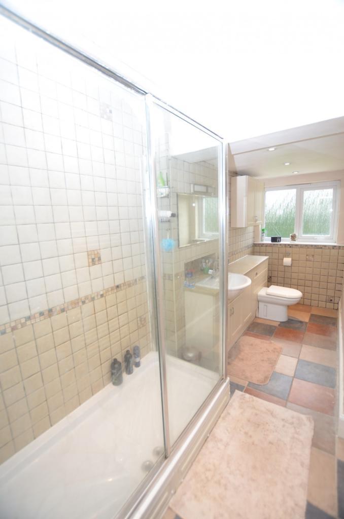 Family Shower Room/W