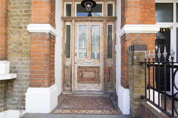 Exterior/Entrance