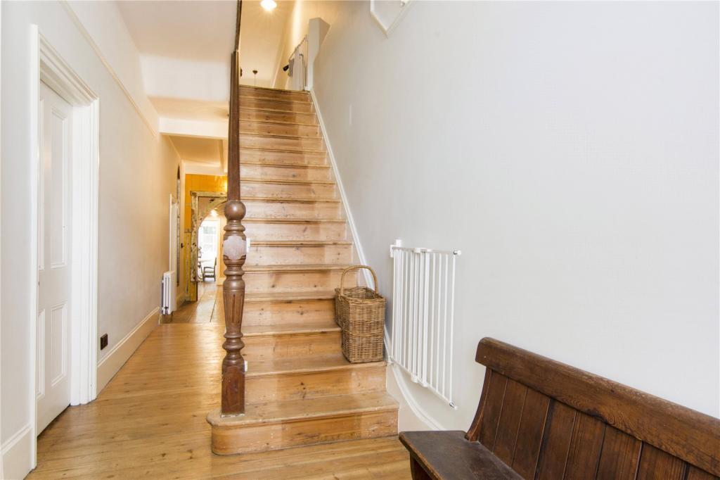 Staircase/Entrance