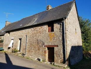4 bedroom home in Levare, Mayenne, 53120...