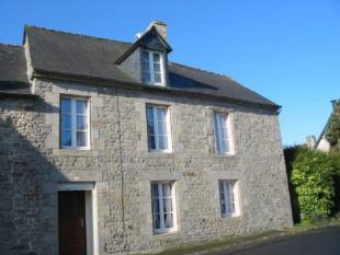 4 bedroom house for sale in Plemet, Cotes-d'Armor...