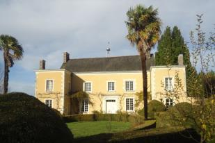 house for sale in Bauge-en-Anjou...