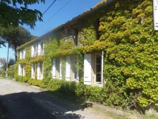 8 bed property for sale in Saint-Andre-de-Cubzac...