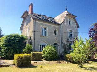 6 bed house for sale in Les Touches...